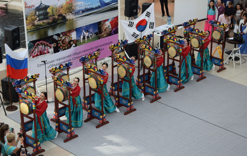 All colors and culture of Korea in Sochi-12_result